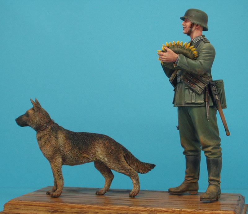 Фигурки: Немецкий солдат с подсолнухом, фото #1