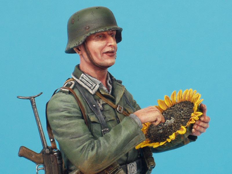 Фигурки: Немецкий солдат с подсолнухом, фото #11