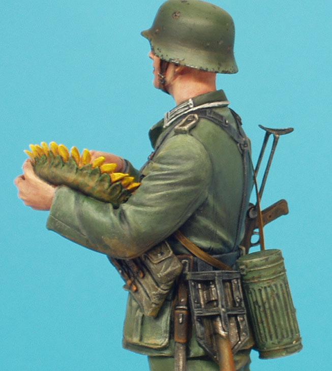 Фигурки: Немецкий солдат с подсолнухом, фото #14