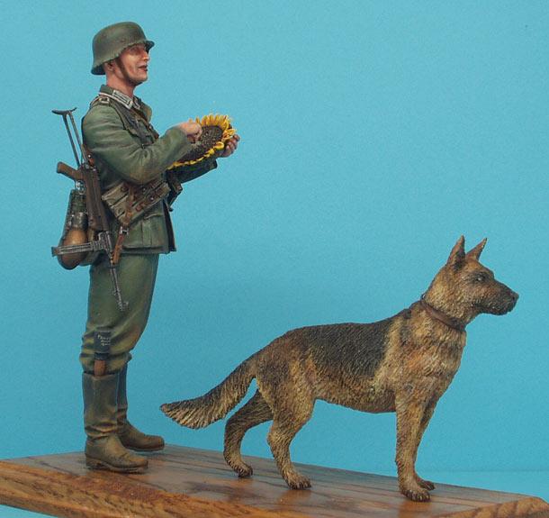 Фигурки: Немецкий солдат с подсолнухом