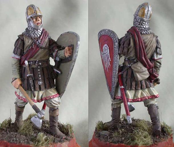Фигурки: Новгородский ратник, XIV век