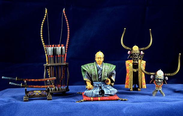 Фигурки: Самурай, стоящий на коленях