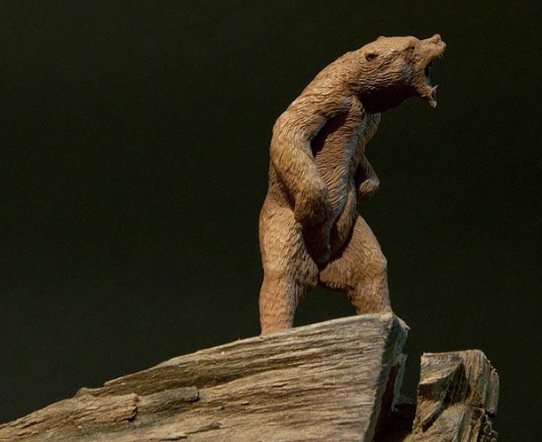 Скульптура: Медведь, хозяин тайги