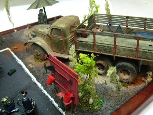 Диорамы и виньетки: Этюд с грузовиками