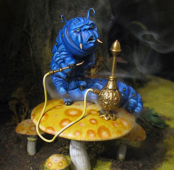 Разное: Синяя гусеница