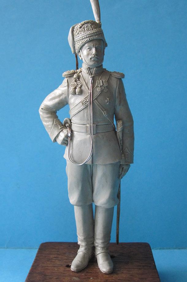 Скульптура:  Сотник Л.-гв. Казачьего полка 1913г.