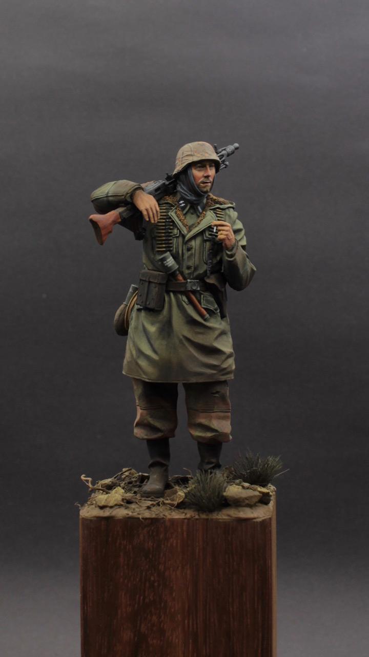 Фигурки: Пулеметчик MG-42, Waffen SS, фото #1