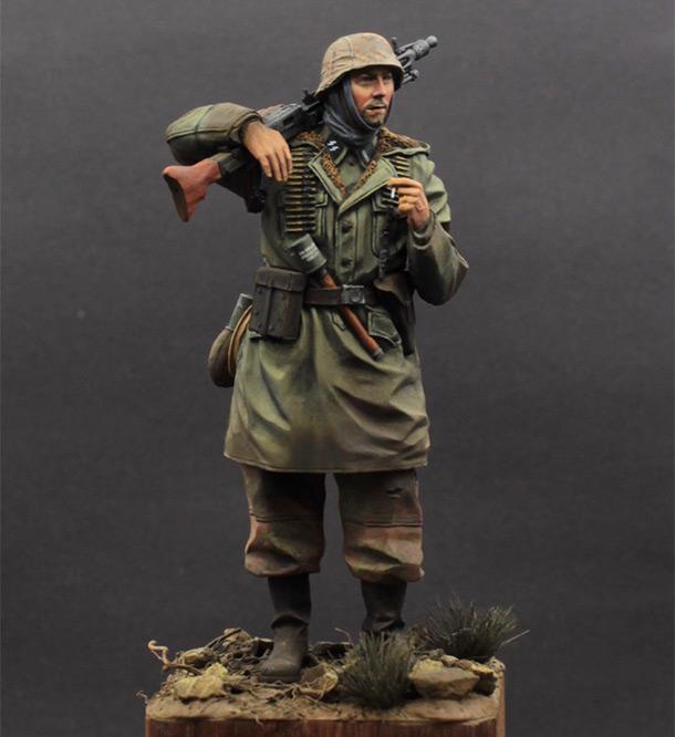 Фигурки: Пулеметчик MG-42, Waffen SS