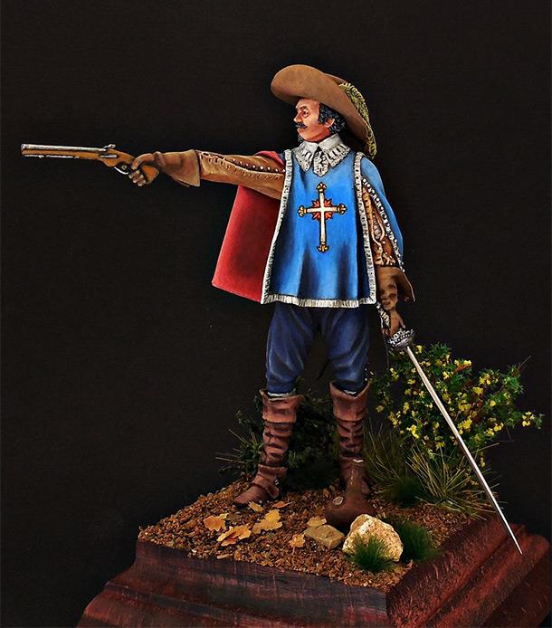 Фигурки:  Королевский мушкетер.