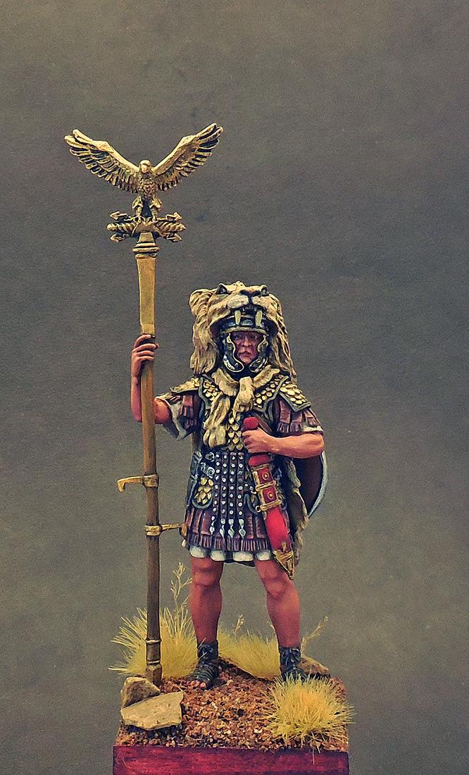 Фигурки: Аквилифер римского легиона. 1-2 вв. н.э., фото #1