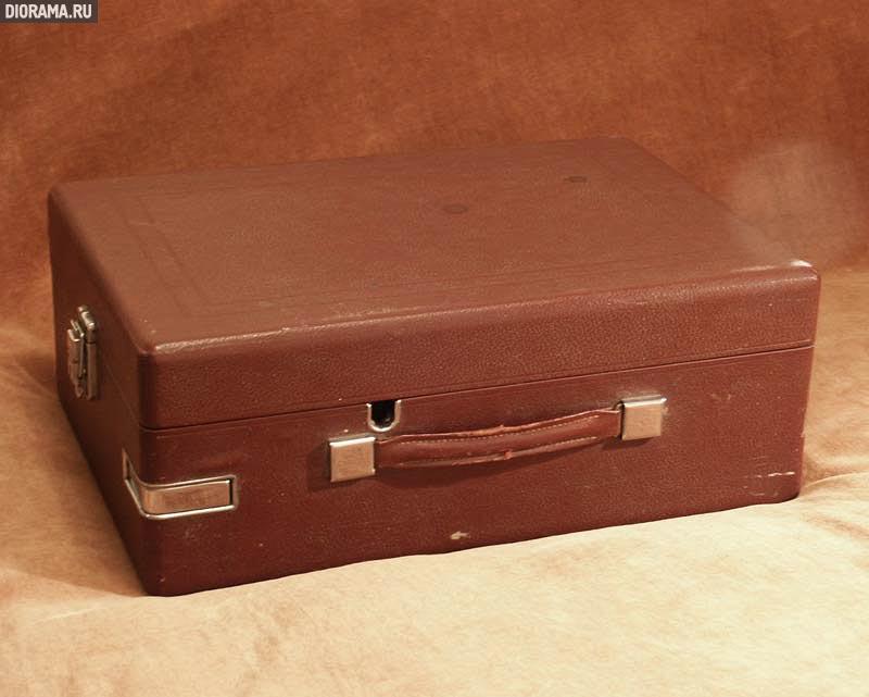 Патефон HMV #5A, футляр,  (Копилка Diorama.Ru)