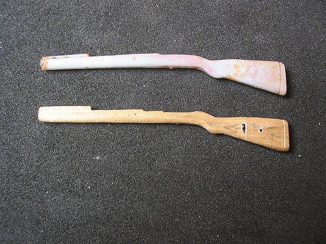 Как сделать пистолеты из дерева своими руками