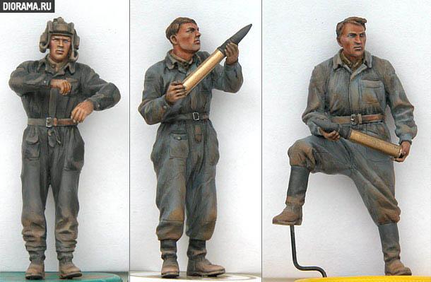 Обзоры: Советские танкисты за погрузкой снарядов